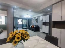 (华南)滨河凤凰城3室2厅1卫全新装修拎包入住152.8万114m²