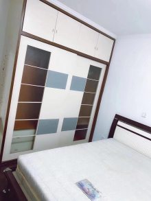 (市区)水云东村4室2厅2卫93.8万132m²出售