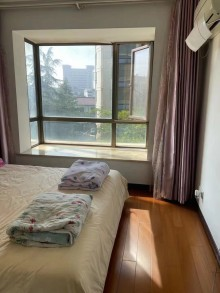 金色家园黄金楼层,精装修3室2厅1卫112.8万116m²
