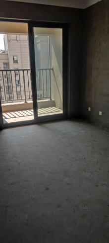 (市区)荣城国际3室2厅2卫125.8万113m²毛坯房出售 双阳台 南北通透 两房朝南 随时看房